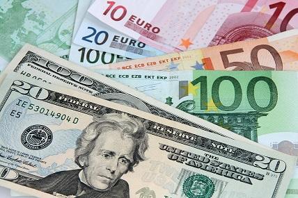 euro och dollarsedlar